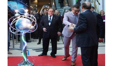 На открытии Петербургского международного инновационного форума были упомянуты лампы SvetaLED