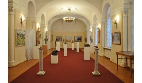 SvetaLED® предоставила освещение для благотворительного аукциона в «Смольном»